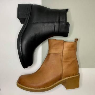 Плоскостопие vs Обувь. Какие модели стоит выбросить из шкафа?