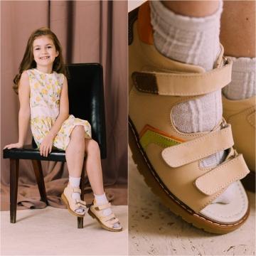 Первые шаги: полезные советы по выбору обуви для ребенка